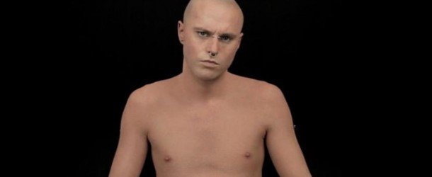 Campaña de Dermablend con el video del «HOMBRE MÁS TATUADO» de nuevo en las redes sociales.
