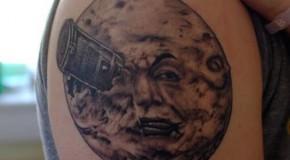 Símbolos en el Tatuaje: La Luna