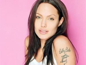 Tatuaje-Angelina_jolie