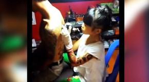 Niña de 12 años tatuadora ¡¡